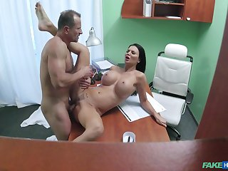 Big-breasted Jasmine Jae gets fucked good forwards doc's office