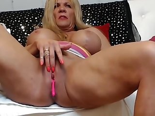 Muscle Mama clip #1