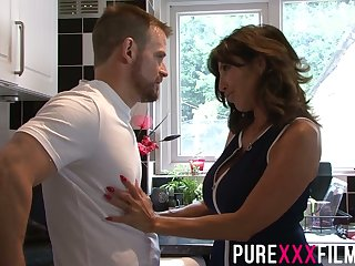 Whorish stepmom Tara Beano gives a blowjob and gets fucked made-to-order the floor