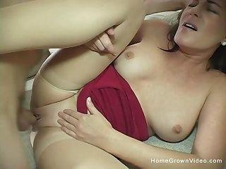 Beautiful 44 year grey cougar Bella Roxxx is available to make her first homemade porn flick!