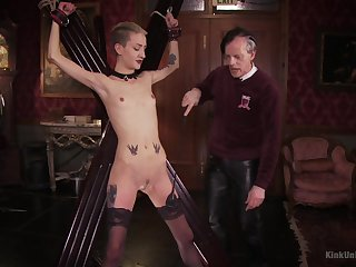 Skinny blonde plays submissive be beneficial to her old master
