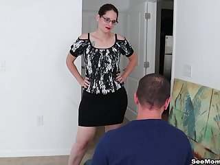 Honcho mature Christine Sapphire loves to abominate on her knees sucking