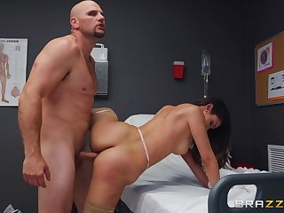 Panhandler with unselfish cock fucks the hatless nurse and cums on her element